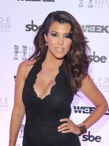 File:090313 news kourtney-kardashian.jpg