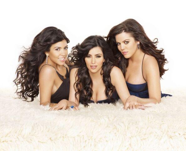 File:Kardashians.jpg