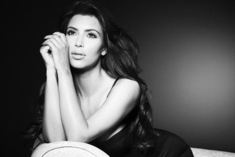 File:Kim-Kardashian-Smallz-Raskind-Profile-Photo-Shoot-080112-17.png