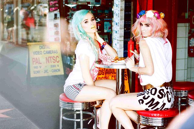 File:Audrey Kitching Tokyolux Hollywoodland Kerli 13.jpg