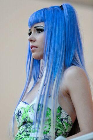 File:Kerli blue hair in Estonia 2.jpg