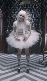 File:Kerli dresses.JPG