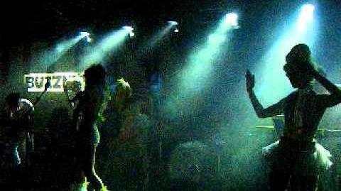 Kerli - Dollface (Live at SXSW 2011) (2)