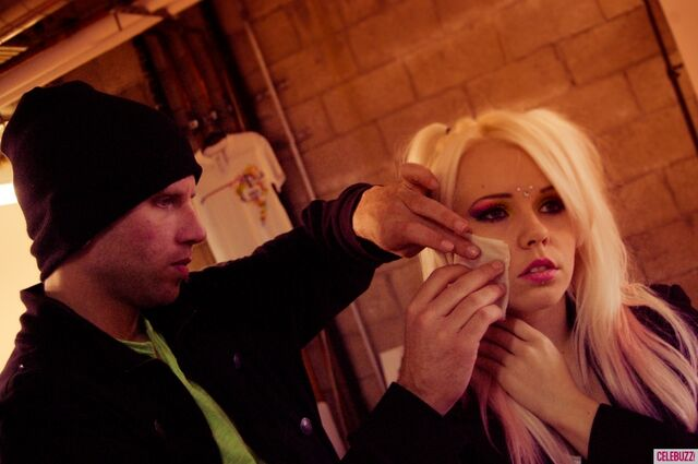 File:Kerli NOH8 Campaign Behind the Scenes Celebuzz 1.jpg