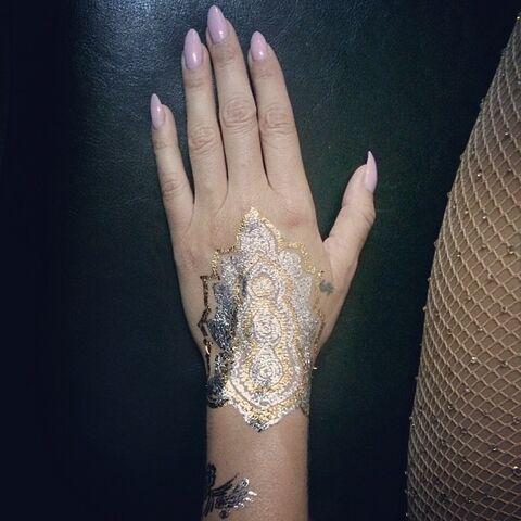 File:Keshas instagram 93 2014.jpg