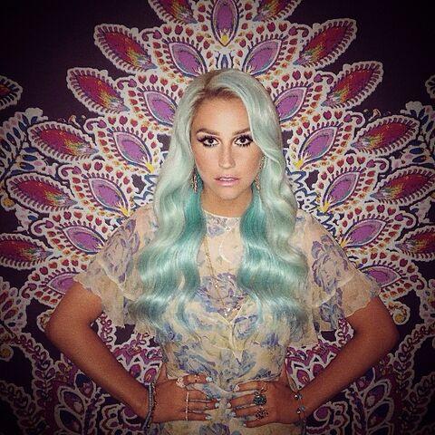 File:Keshas instagram 51 2014.jpg