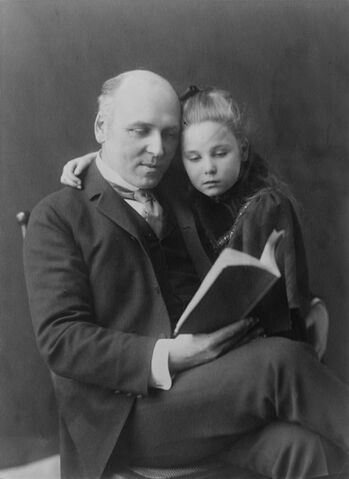 File:Howard Pyle and daughter Phoebe (Johnston).jpg