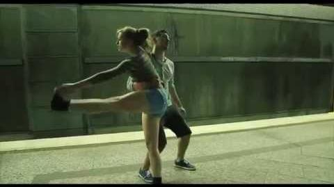 Slip Elliot Moss - With a perfect love dance.