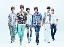 BOYFRIEND Love Style group photo