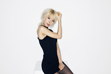 AOA Choa Miniskirt photo 2
