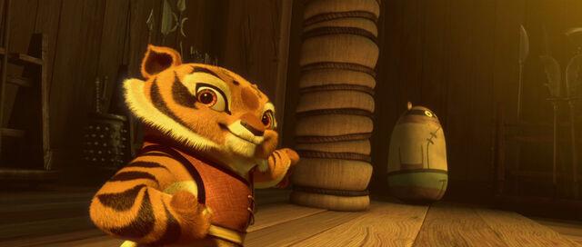 File:Tigress-cub.jpg