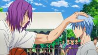 Murasakibara belittles Kuroko anime