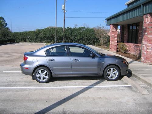 קובץ:Mazda3.jpg