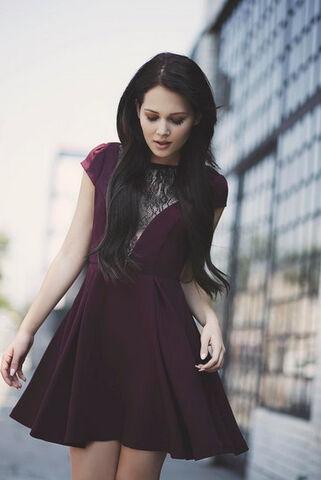 File:Kelli Berglund Dress.jpg