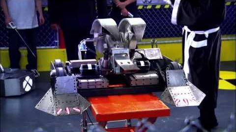 Robot Fight Club - Lab Rats - Disney XD Official