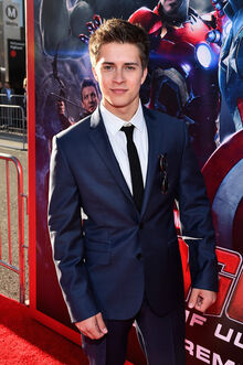 Billy Unger World Premiere Marvel Avengers CU49Kxqhgs8l