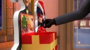 Ladybug Christmas Special (20)