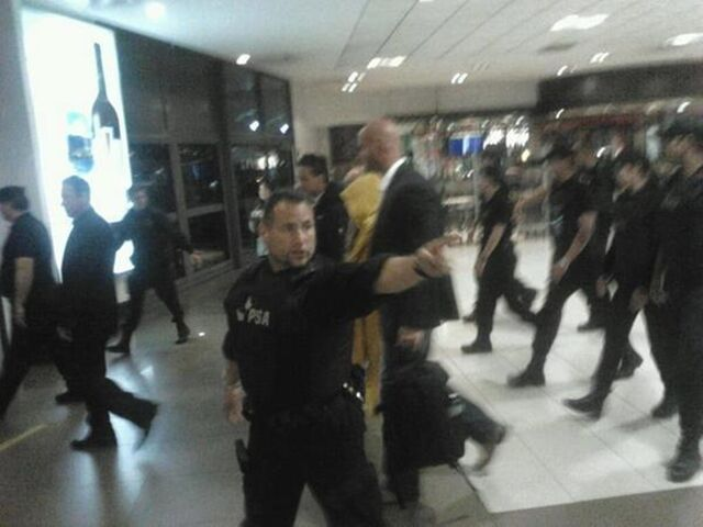 File:Arriving to Argentina2 (my twitter - @gonzabac).jpg