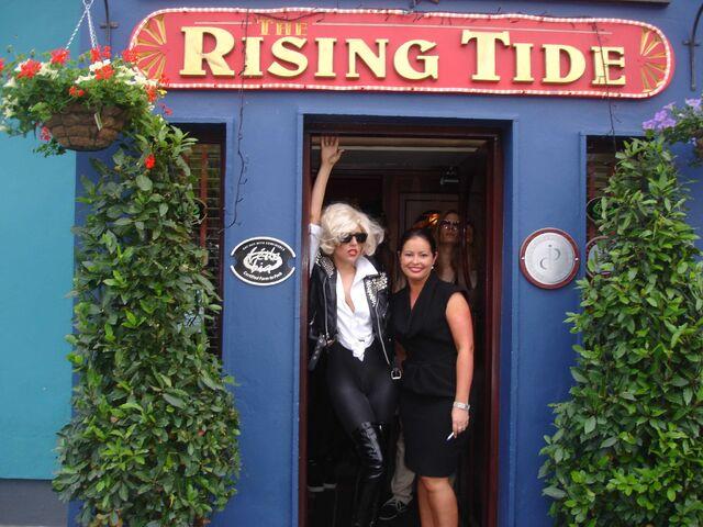 File:6-30-09 The Rising Tide restaurant 001.jpg