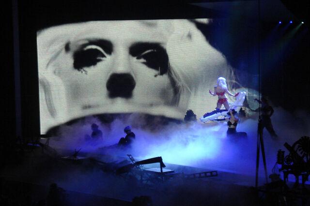 File:PaperGangsta-MB-Theater-03.jpg