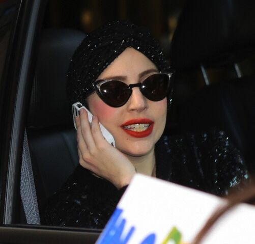 File:11-13-13 Arriving at SNL Studio 001.jpg