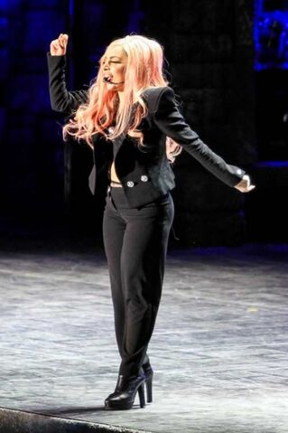File:The Born This Way Ball Tour Scheiße 012.jpg