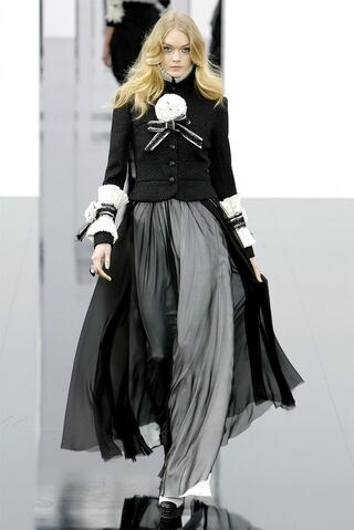 File:Chanel - Fall 2009 Collection 001.jpg