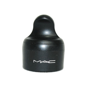File:M·A·C Mineralize S.P.F. 15 Foundation-Loose in Extra Light.jpg