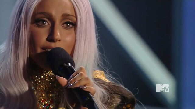 File:MTV VMAS 2010 SCREENSHOT 08.jpg