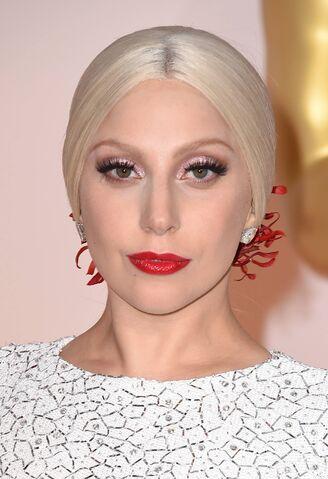 File:2-22-15 Oscars Red Carpet 004.jpg