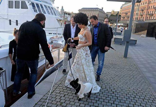 File:10-1-14 Boat in Stockholm 001.jpg