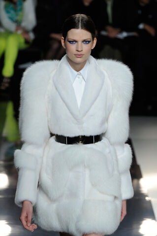 File:Jason Wu - Fall 2013 RTW Collection.jpg