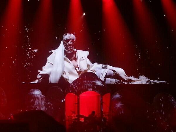File:The artRAVE Ball Tour Interlude.jpg