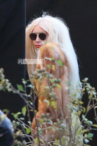 File:10-24-13 Arriving at ARTPOP Listening Party 001.jpg