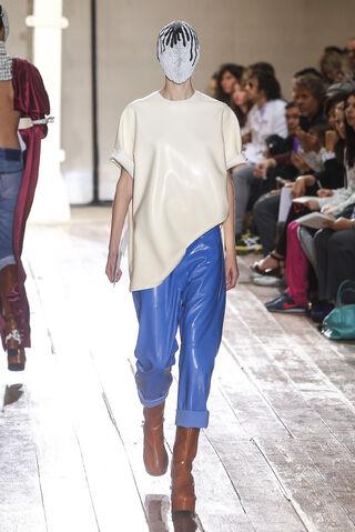 File:Maison Martin Margiela Fall Winter 2013 Artisanal outfit.jpg
