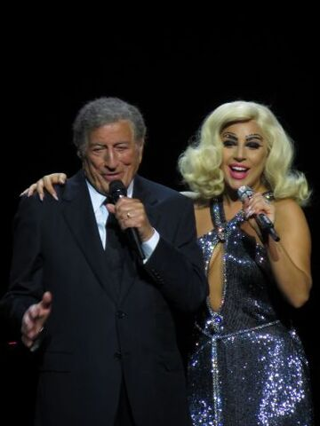 File:6-8-15 Cheek to Cheek Tour 003.jpg