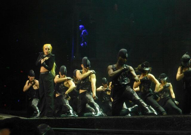 File:The Born This Way Ball Tour Scheiße 008.jpg
