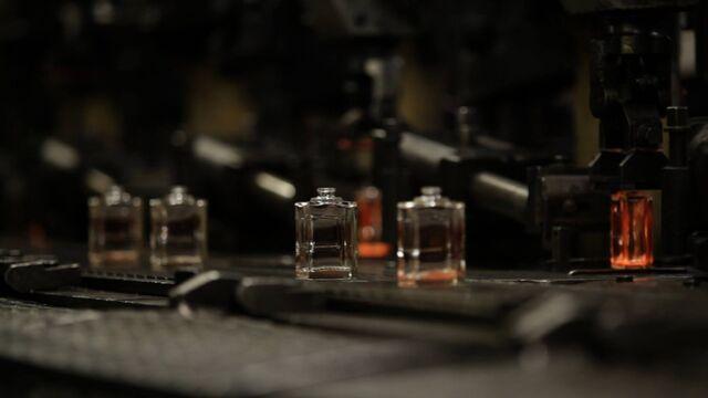 File:Haus Laboratories - Eau de Gaga 003.jpg