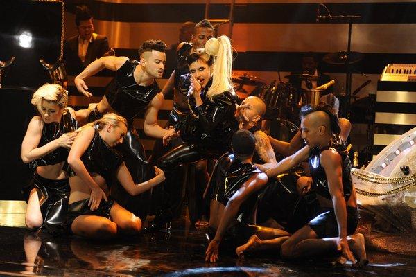 File:5-19-11 SNL Born This Way 006.jpg