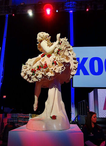 File:ArtRave - Jeff Koons Sculpture 002.JPG