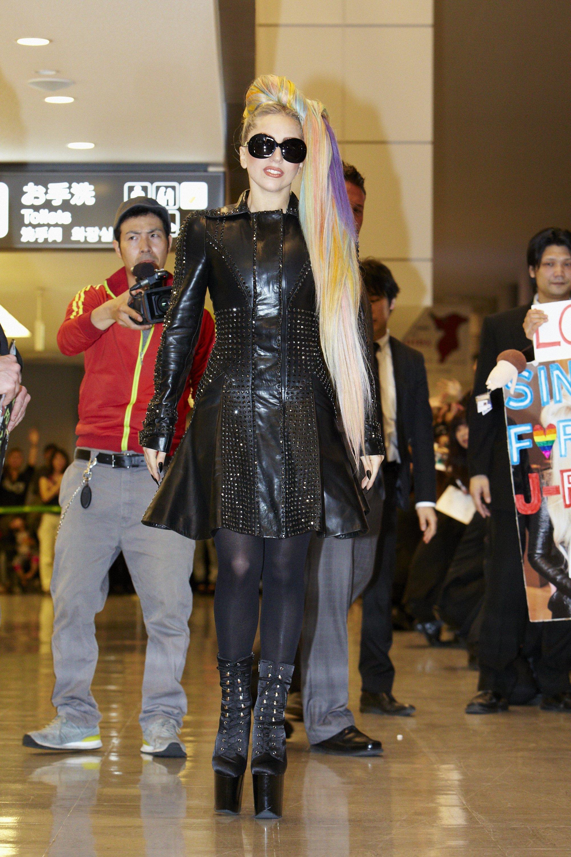 File:5-8-11 Arriving in Japan 001.jpg