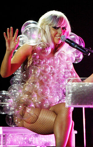 File:LadyGaga-Bubble-Dress.jpg