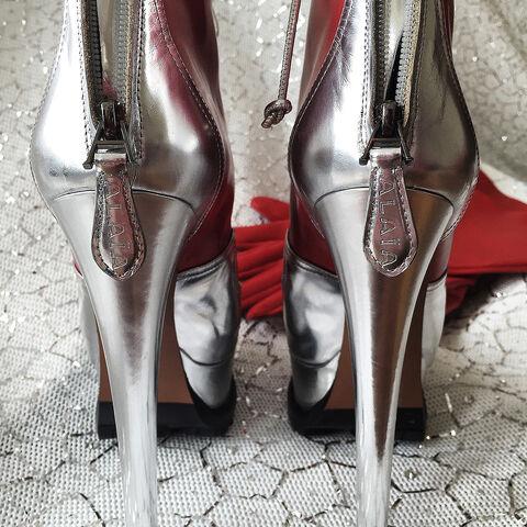 File:Azzedine Alaïa - Custom shoes 002.jpg