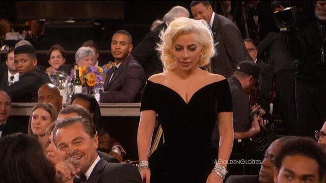 File:Golden Globes 2016 Live Screenshot 04.jpg