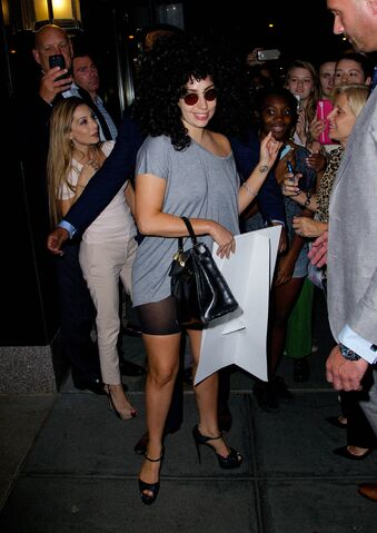 File:6-16-14 Returning at her apartment in NYC 002.jpg