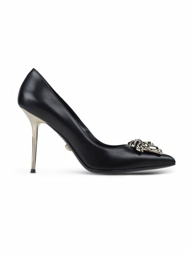 File:Versace - Medusa pumps 001.jpg