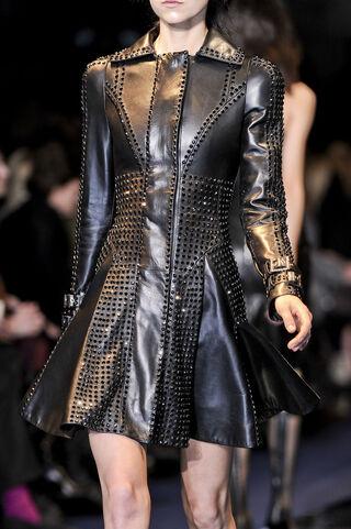 File:Versace Fall Winter 2012 Black trench coat.jpg