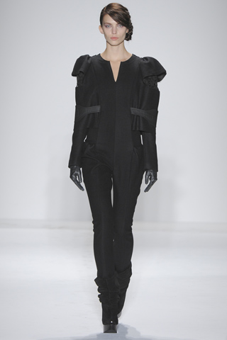 File:Alexandre Herchcovitch Fall 2011 Outfit.jpg
