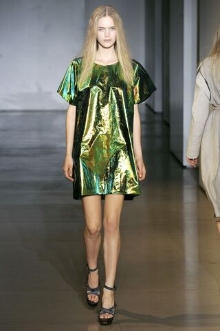 File:Jil Sander Spring 2010 RTW Short Sleeve Lamé Dress.jpg