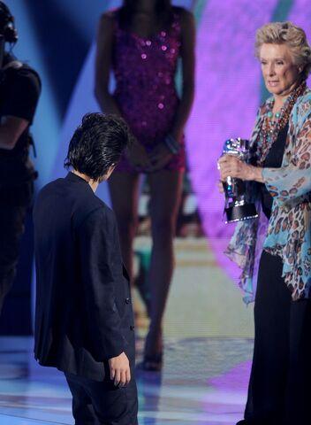 File:VMA 2011 Best Female Video 002.jpg
